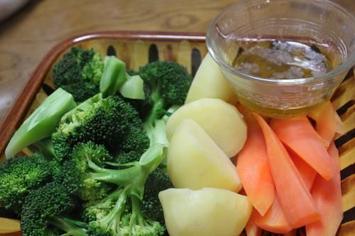 茹で野菜 アンチョビとオリーブオイル